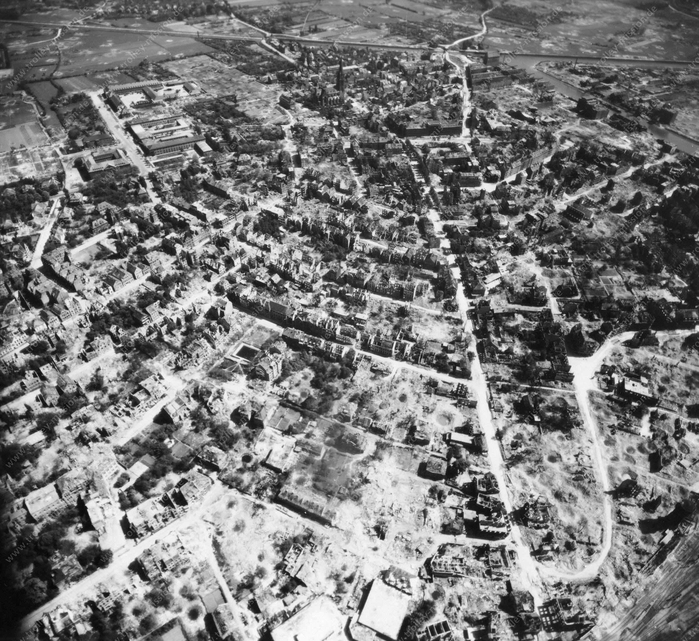 Luftbild von Münster am 12. Mai 1945 - Luftbildserie 10/11 der US Air Force