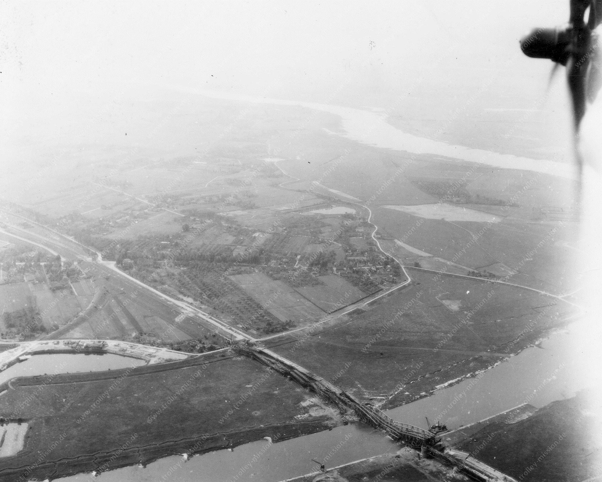Arnheim Luftbild - Eisenbahnbrücke Ijssel - Weltkrieg (Niederlande)