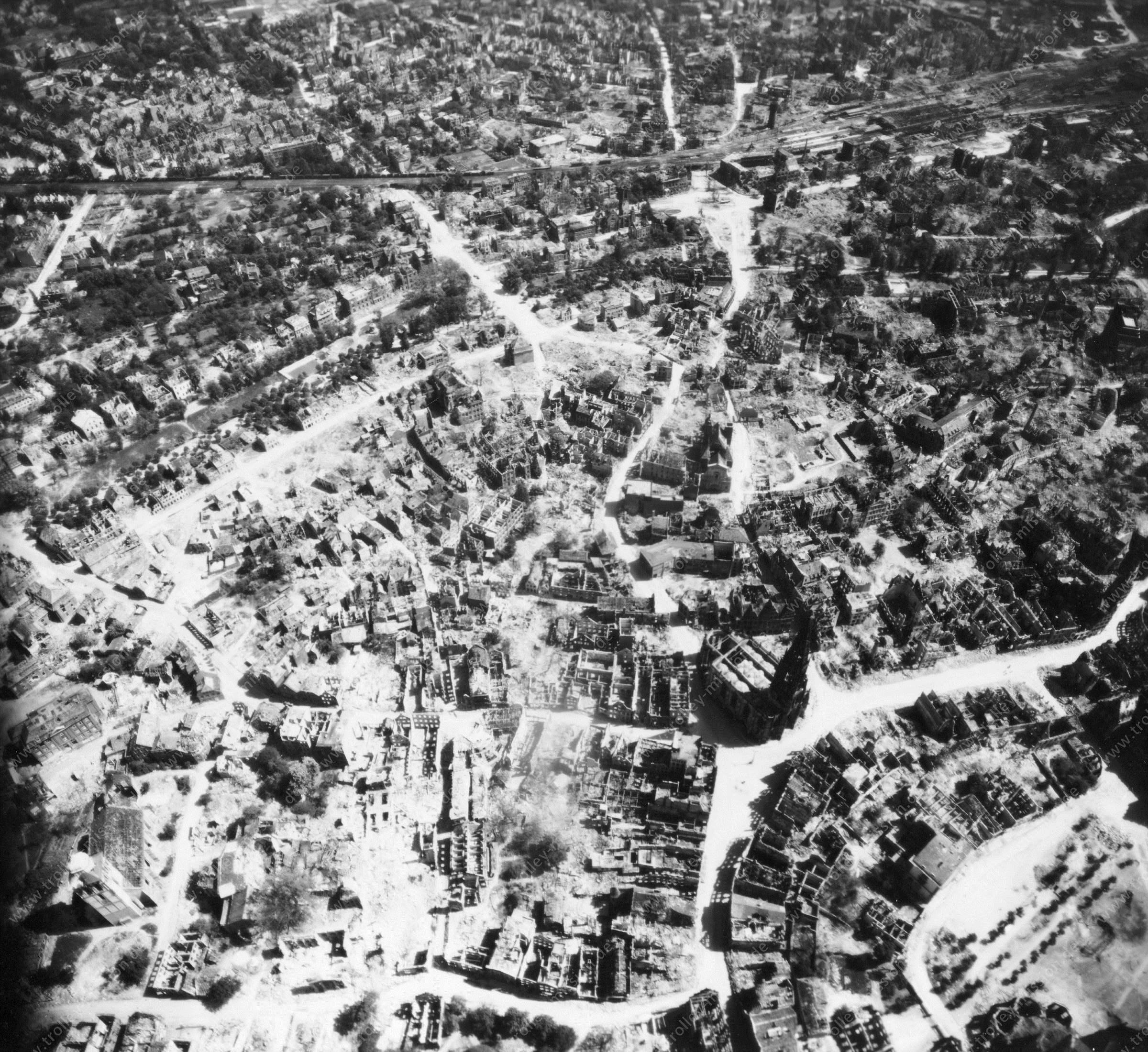 Luftbild von Münster am 12. Mai 1945 - Luftbildserie 8/11 der US Air Force