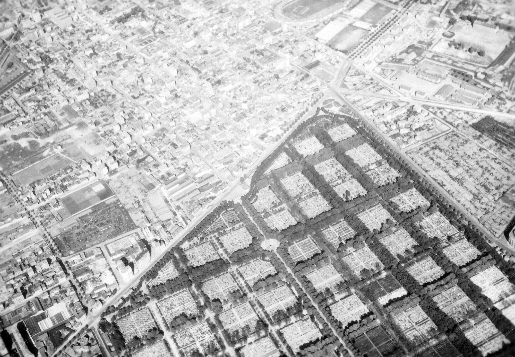 Paris 1945 Luftbild Cimetière parisien de Bagneux (Frankreich)