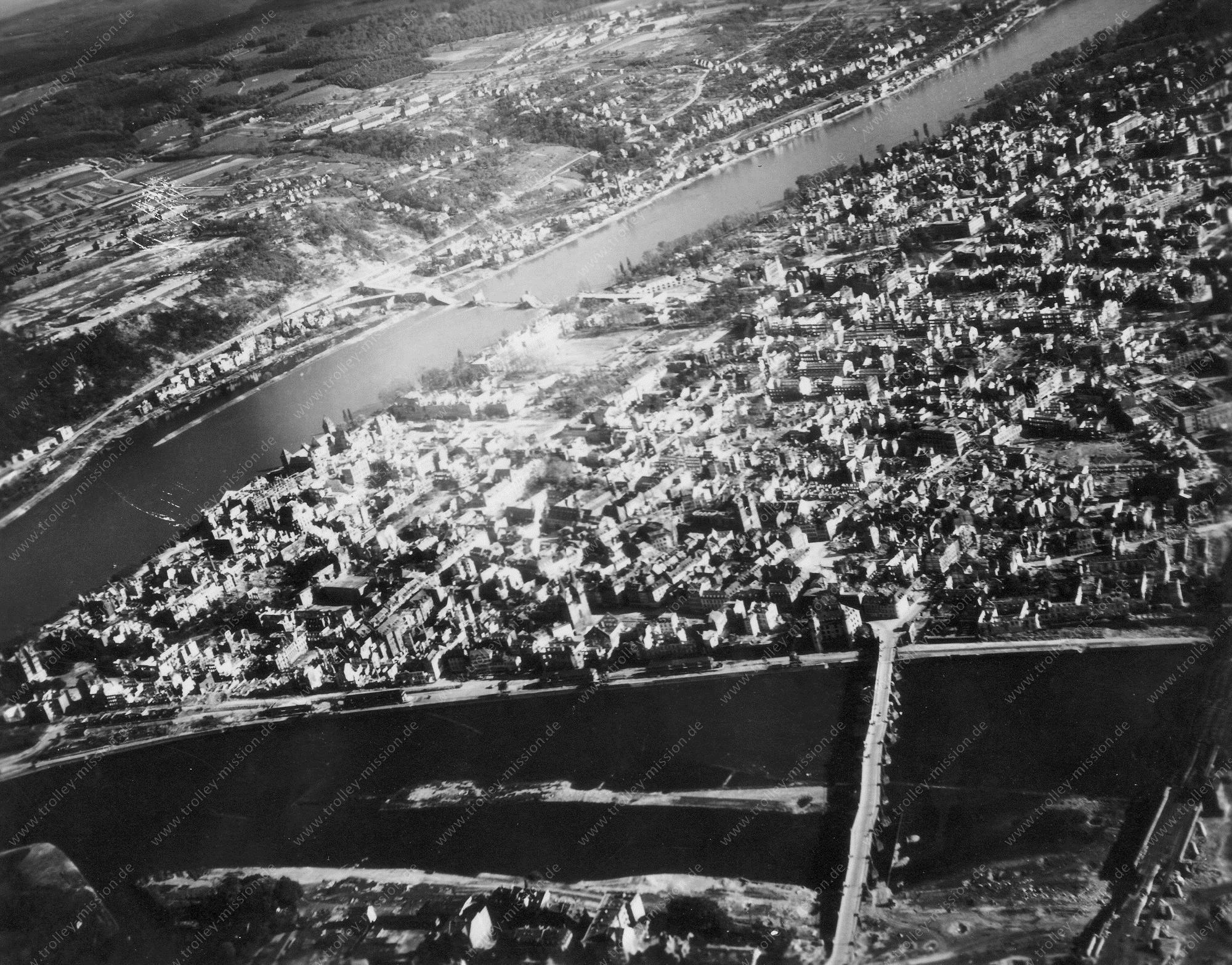 Koblenz Luftbild Deutsches Eck, Moseleisenbahnbrücke und Balduinbrücke