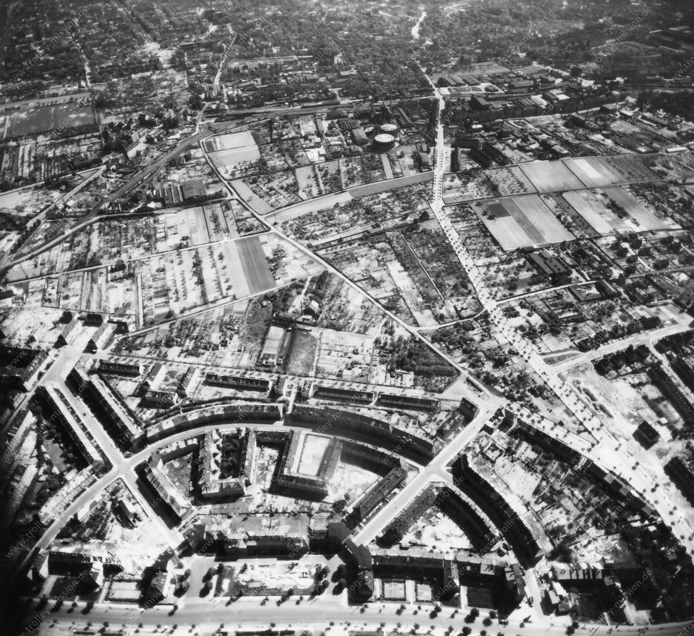 Luftbild von Braunschweig am 12. Mai 1945 - Luftbildserie 3/11 der US Air Force