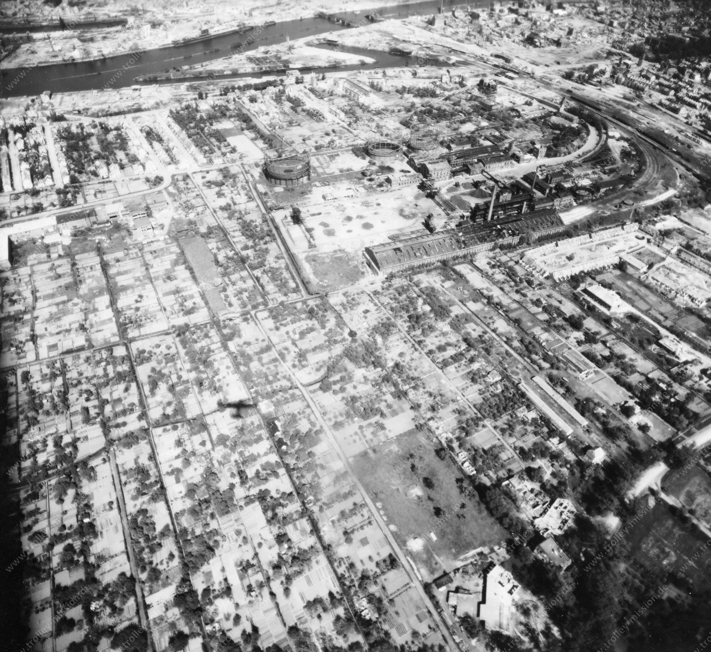 Luftbild von Bremen am 12. Mai 1945 - Luftbildserie 6/12 der US Air Force