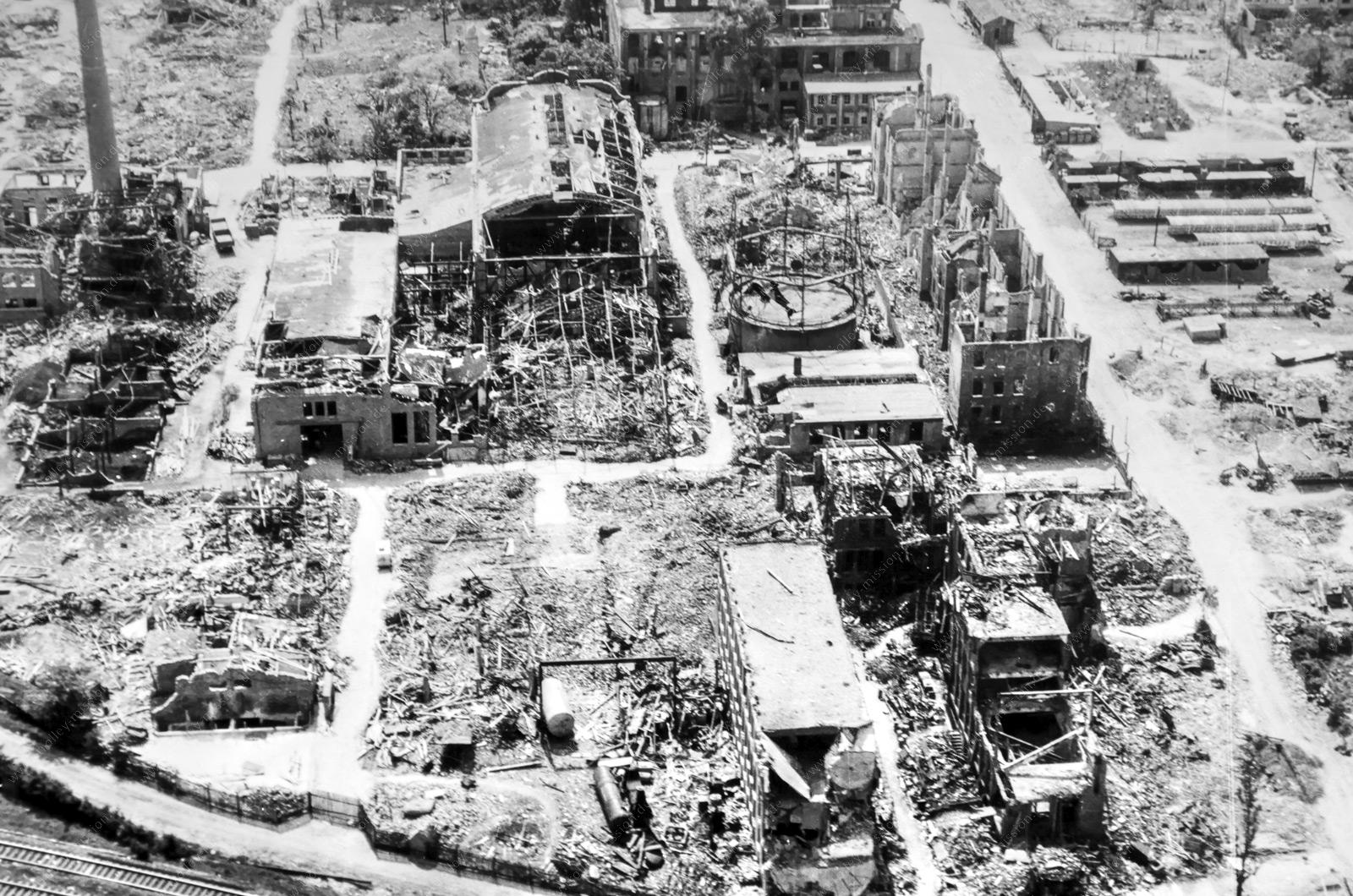 Werksgelände der Firma Heraeus in Hanau - Luftbild aus dem Zweiten Weltkrieg