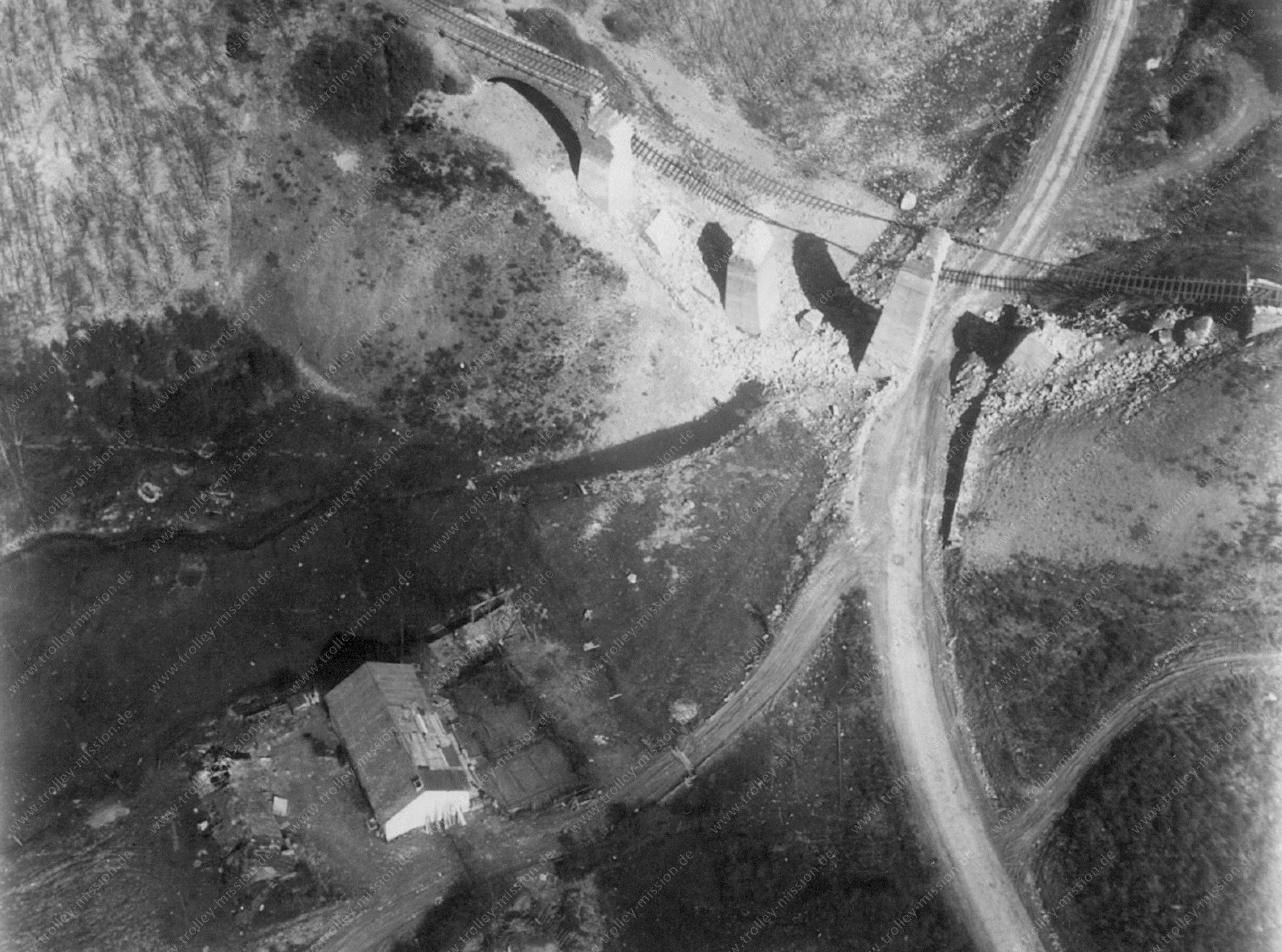 Euscheid bzw. Strickscheid Luftbild der alten Eisenbahnbrücke