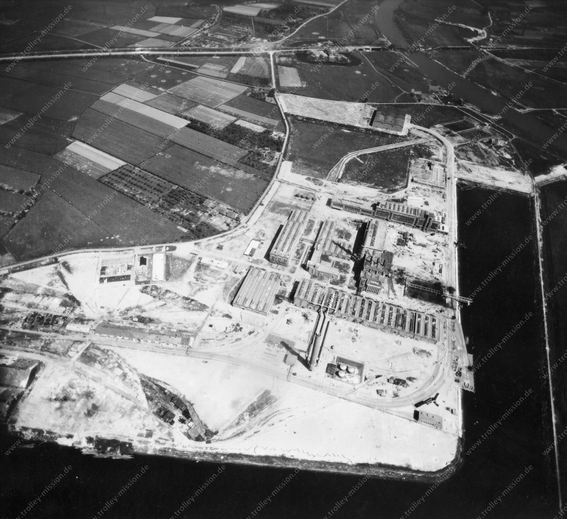 Nieuwe Haven Arnheim - Luftbild Mai 1945 - Luftbildserie 3/5 der US Air Force (Niederlande)