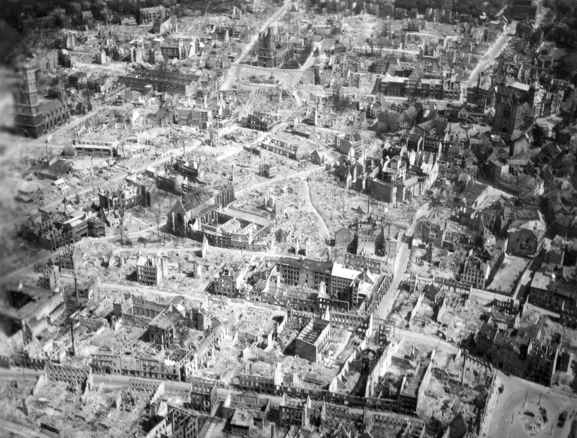 Braunschweig Luftbild mit Andreaskirche, Braunschweiger Dom und St. Katharinen