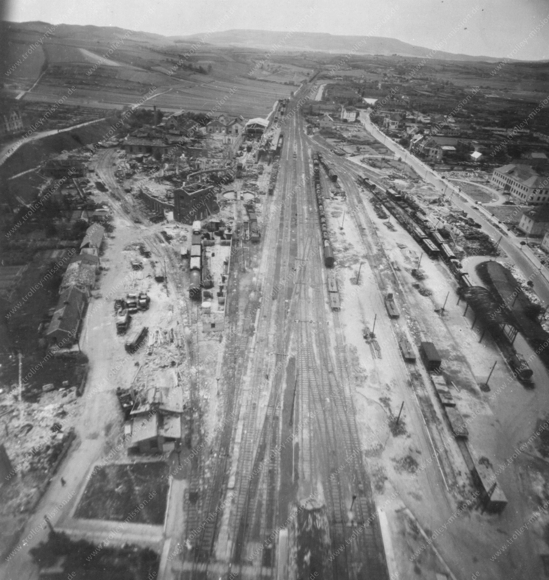Eschwege nach dem Zweiten Weltkrieg und dem Luftangriff auf den Bahnhof entlang der Niederhoner Straße und Eisenbahnstraße