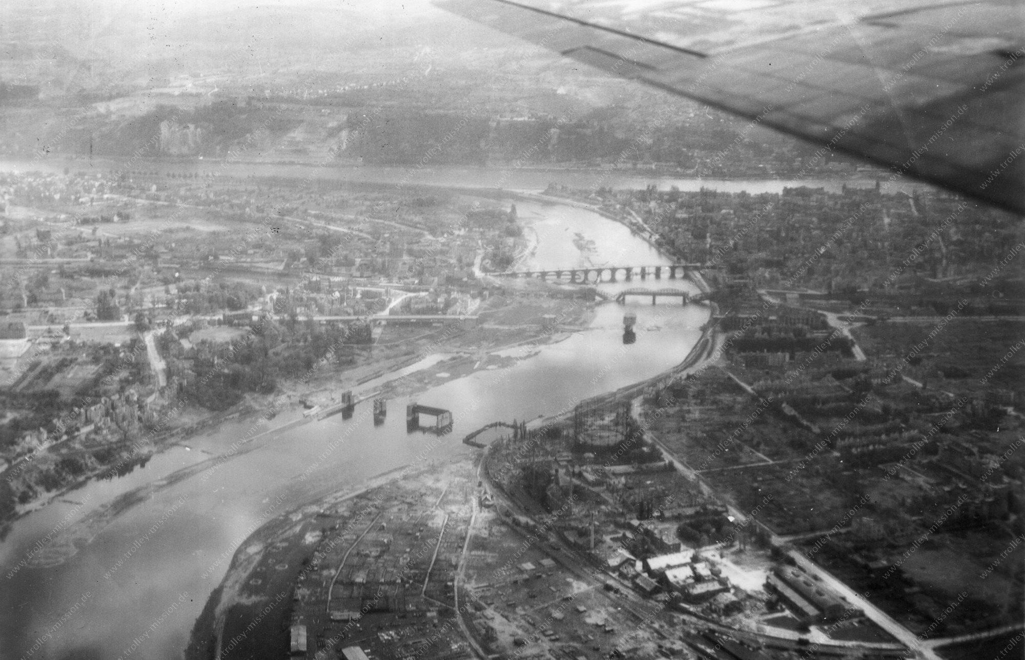 Luftbild Moseleisenbahnbrücke und Balduinbrücke in Koblenz