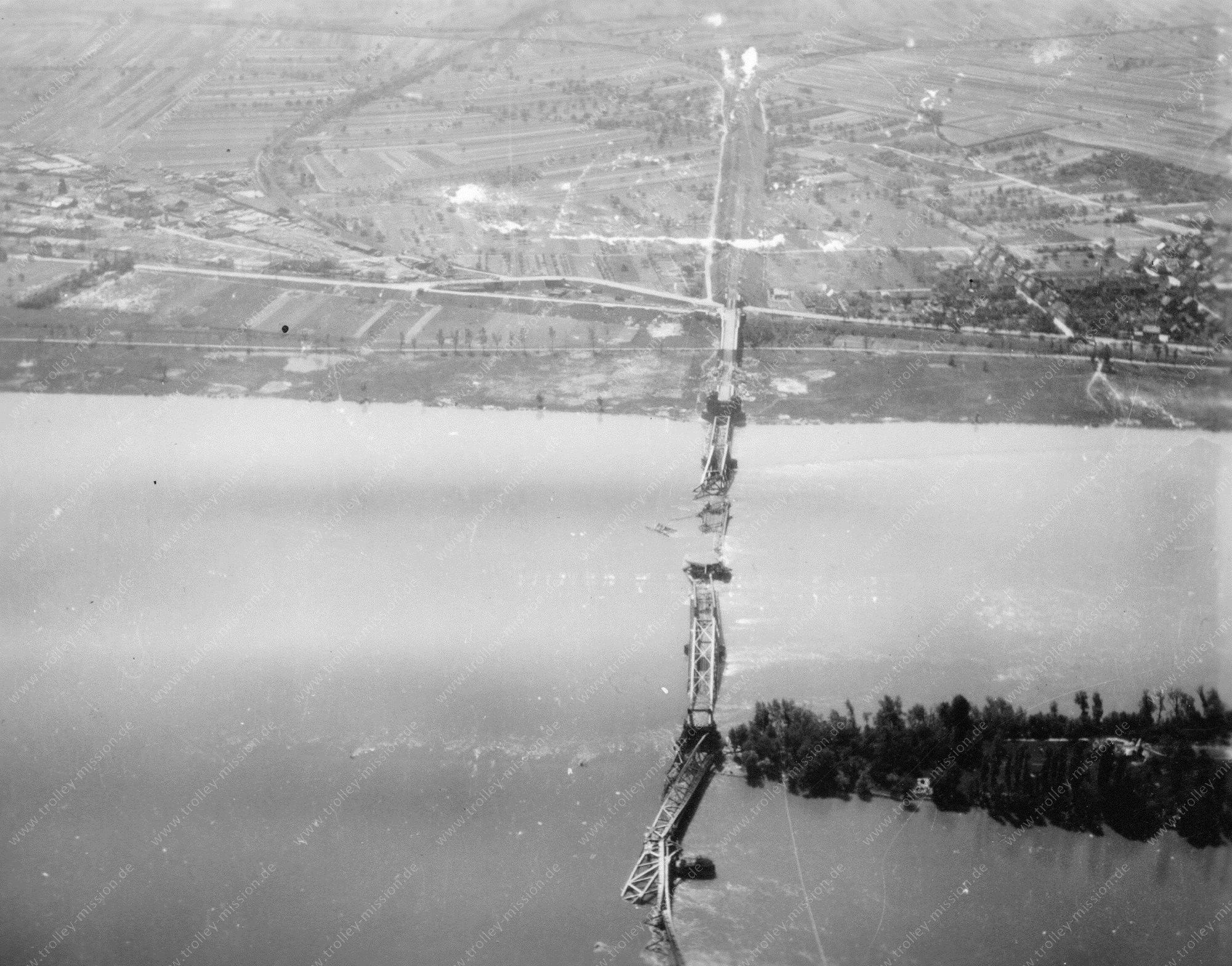 Luftbild der Hindenburgbrücke zwischen Rüdesheim und Bingen am Rhein
