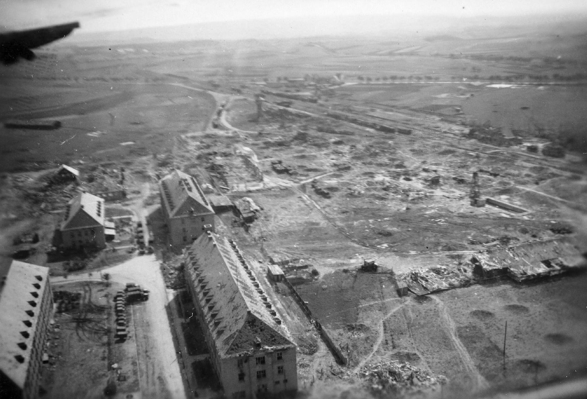 Luftbild der alten Kaserne entlang der Mötscher Straße am Südring in Bitburg