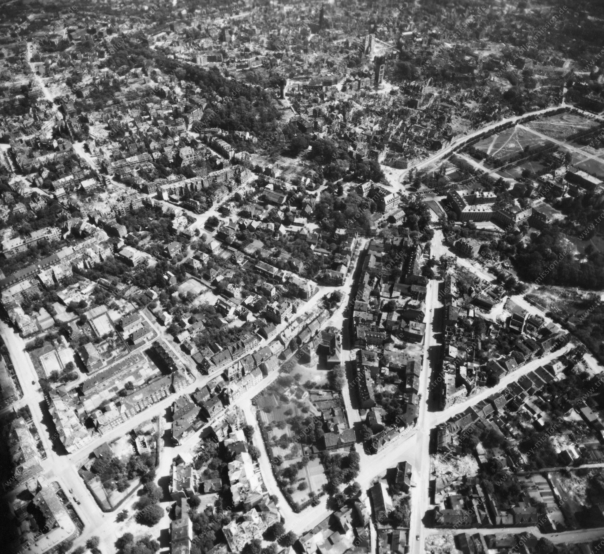 Luftbild von Münster am 12. Mai 1945 - Luftbildserie 5/11 der US Air Force