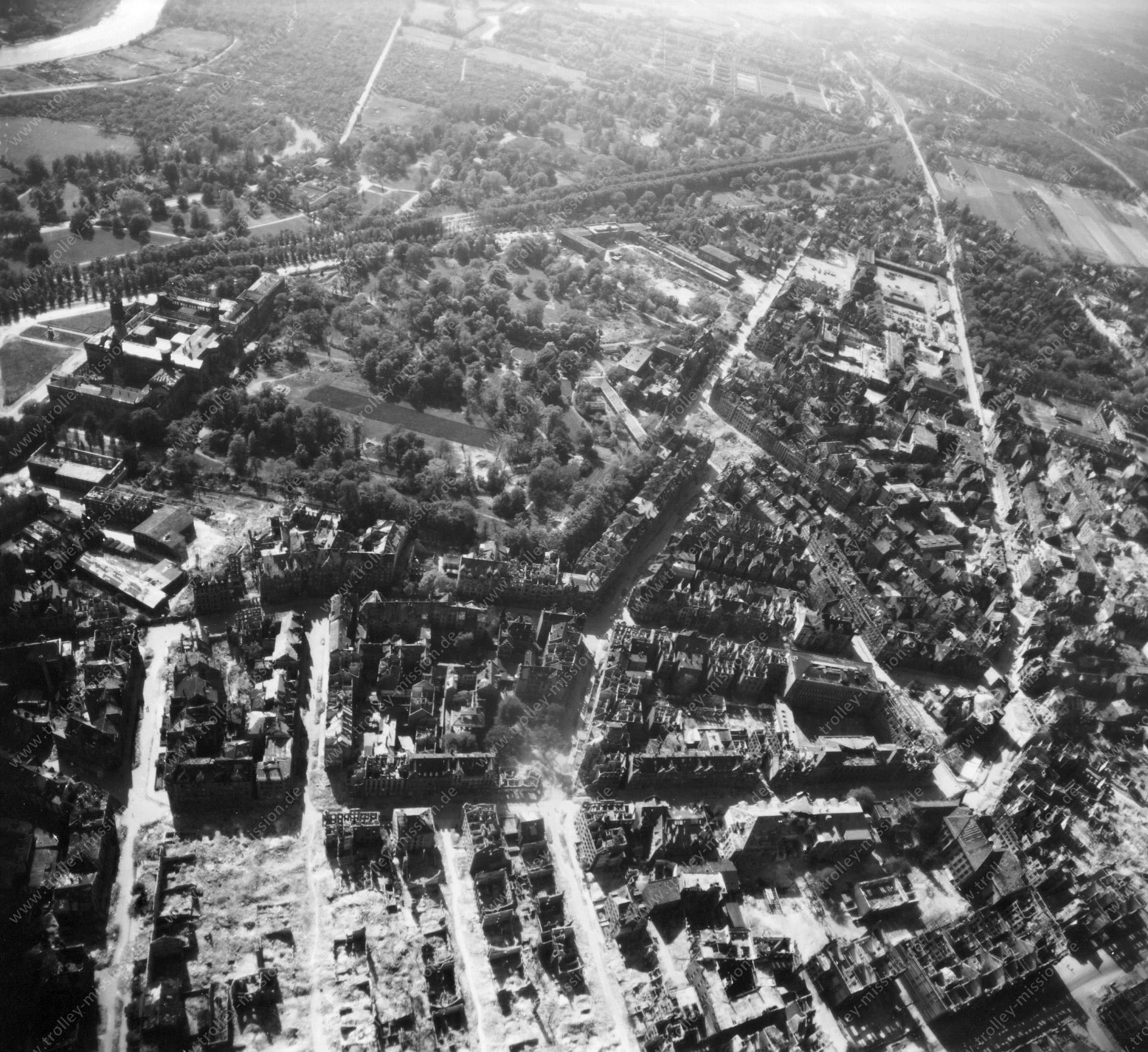 Hanover from above: Aerial view after Allied air raids in World War II