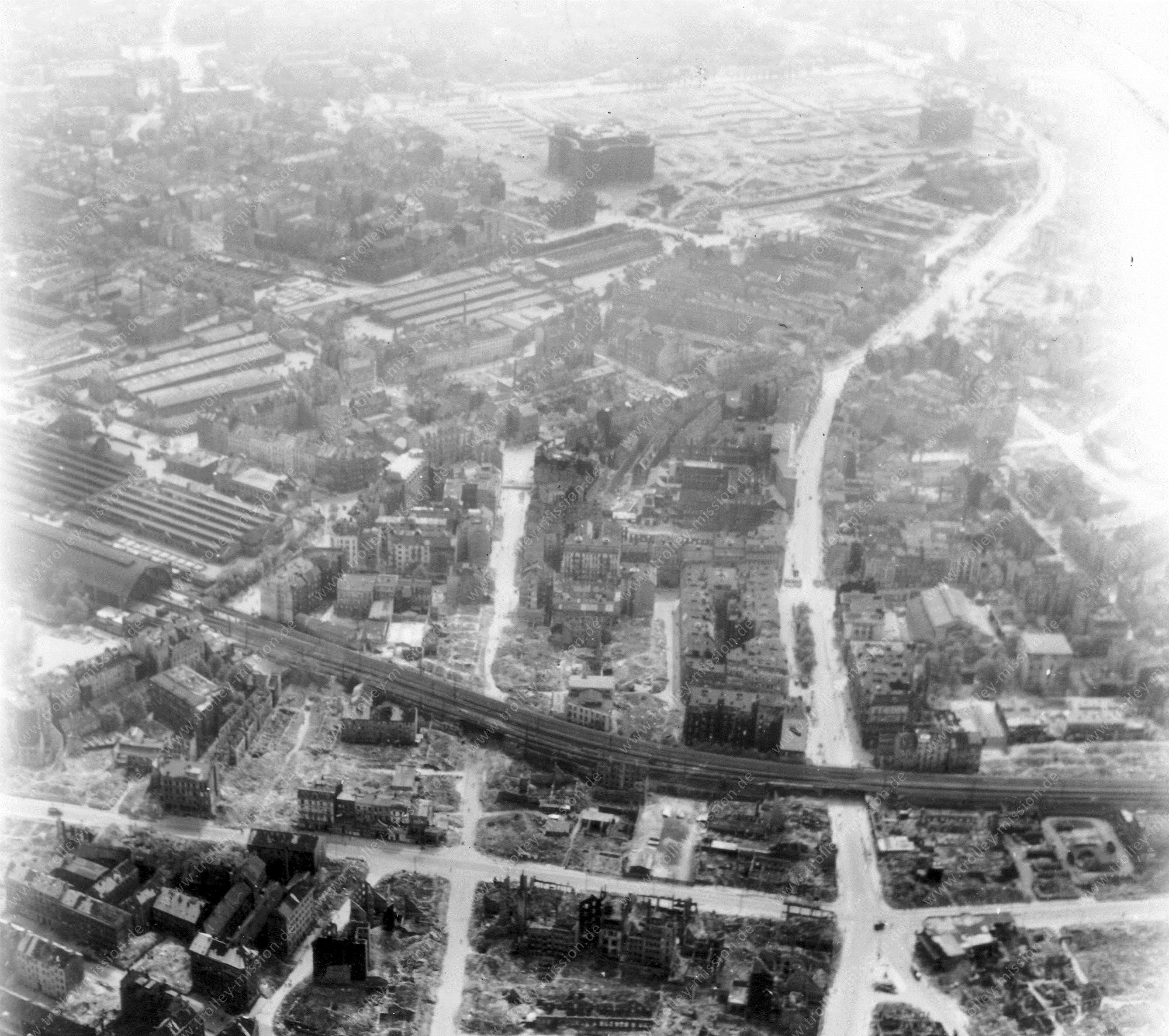Hamburg from above: Aerial view after Allied air raids in World War II