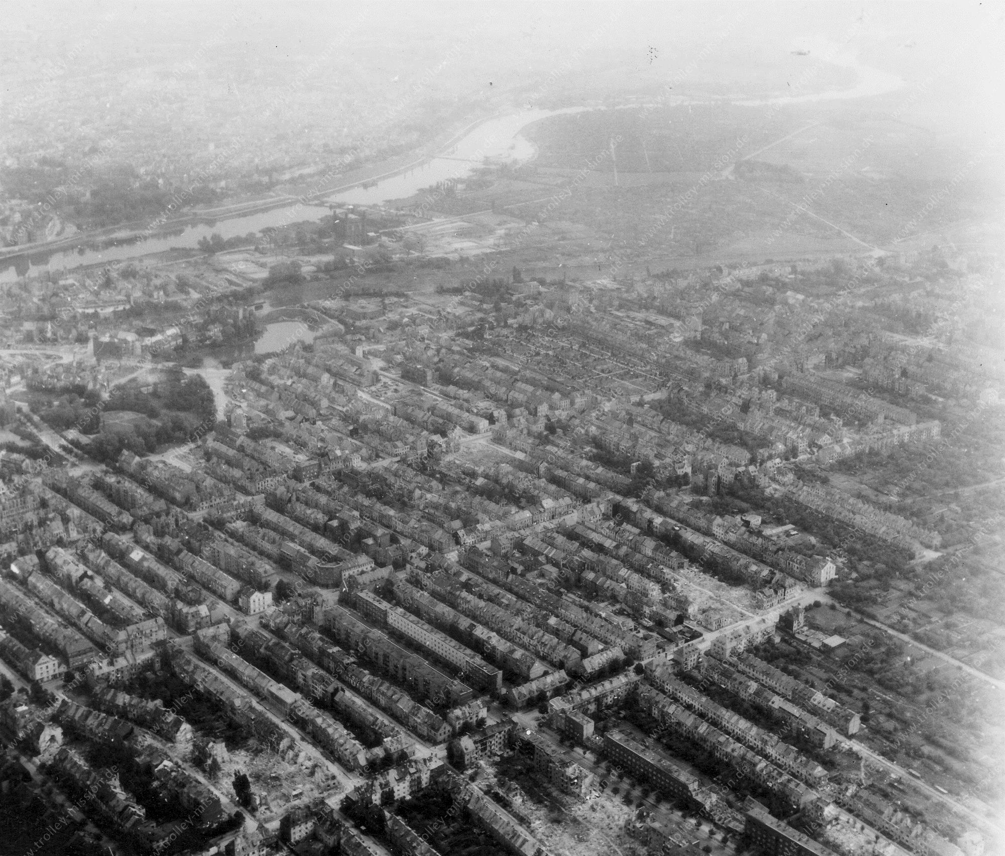 Bremen from above: Aerial view after Allied air raids in World War II