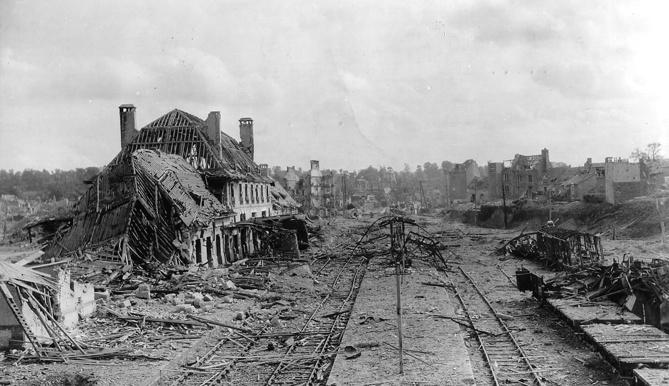 Saint-Lô (Capitale des Ruines): Ruines de la gare