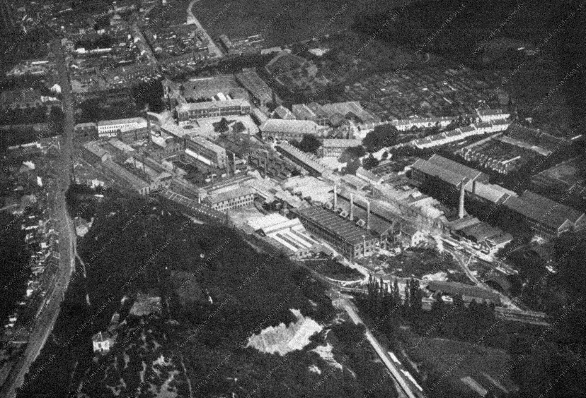 Luchtopname 1945: Kristalfabriek en glasfabriek Val-Saint-Lambert in Seraing in België