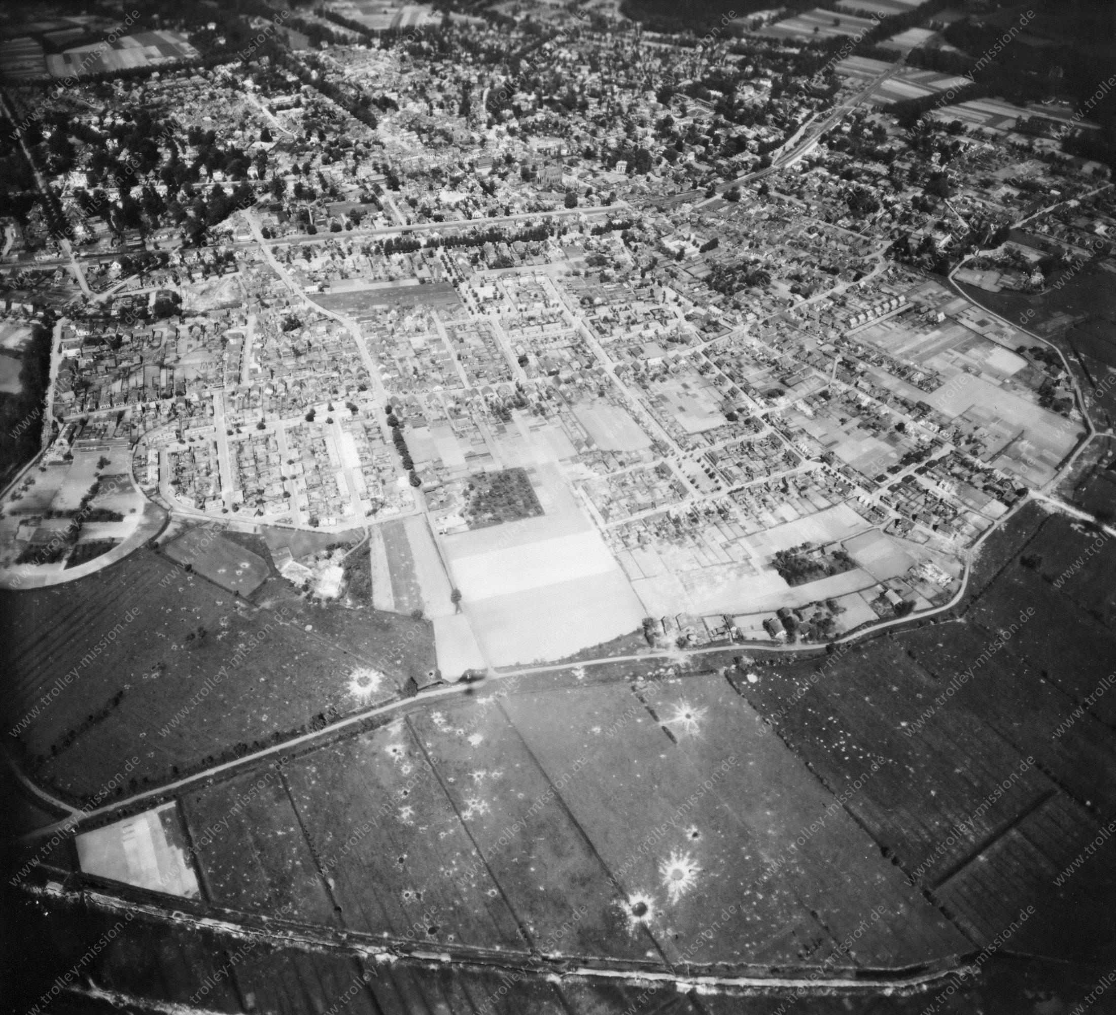Velp (Gelderland) in de Tweede Wereldoorlog - Luchtopname 1/5 op 12 mei 1945