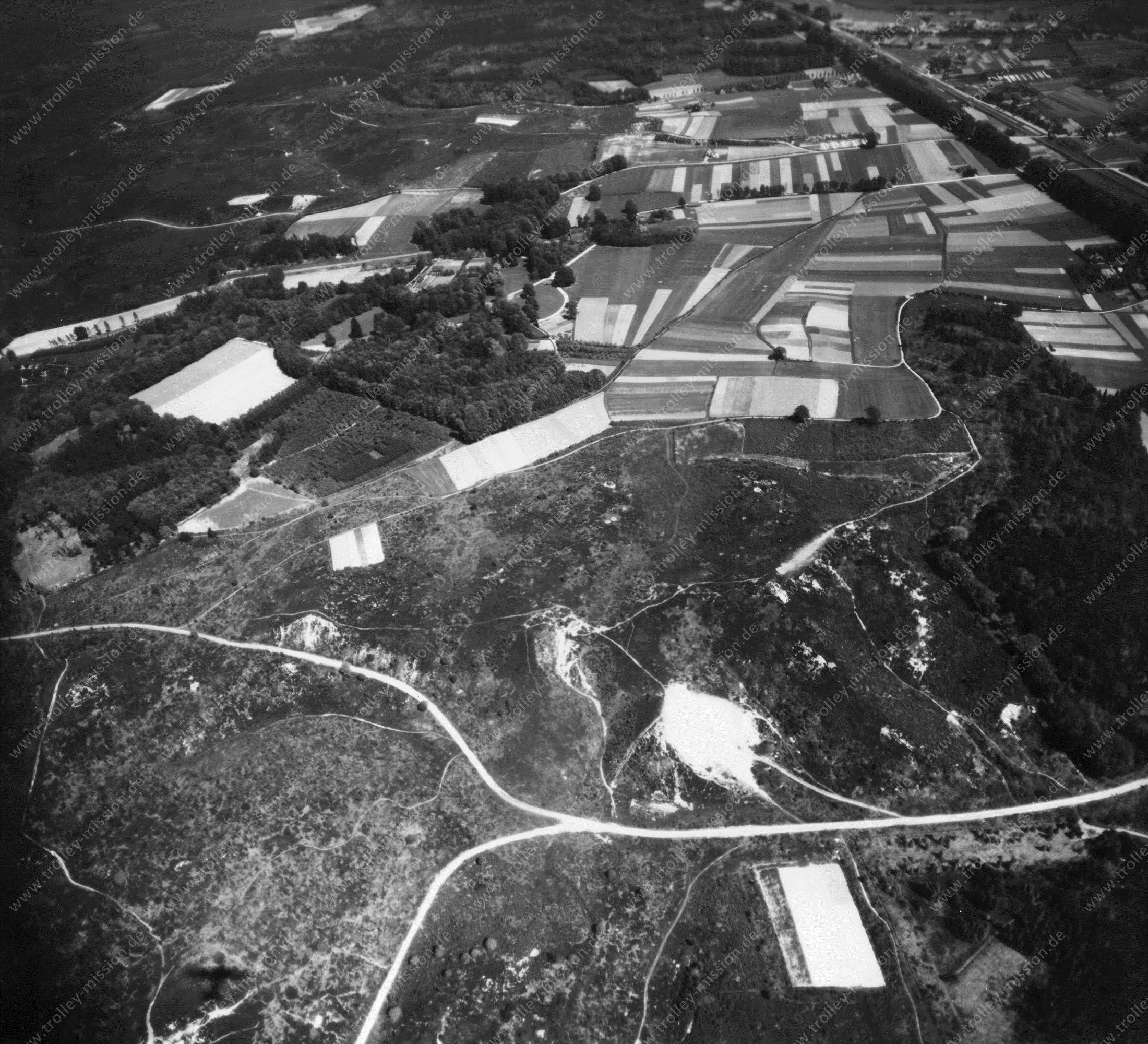 Luchtopname Nationaal Park Veluwezoom nabij het dorp Rheden (Tweede Wereldoorlog)