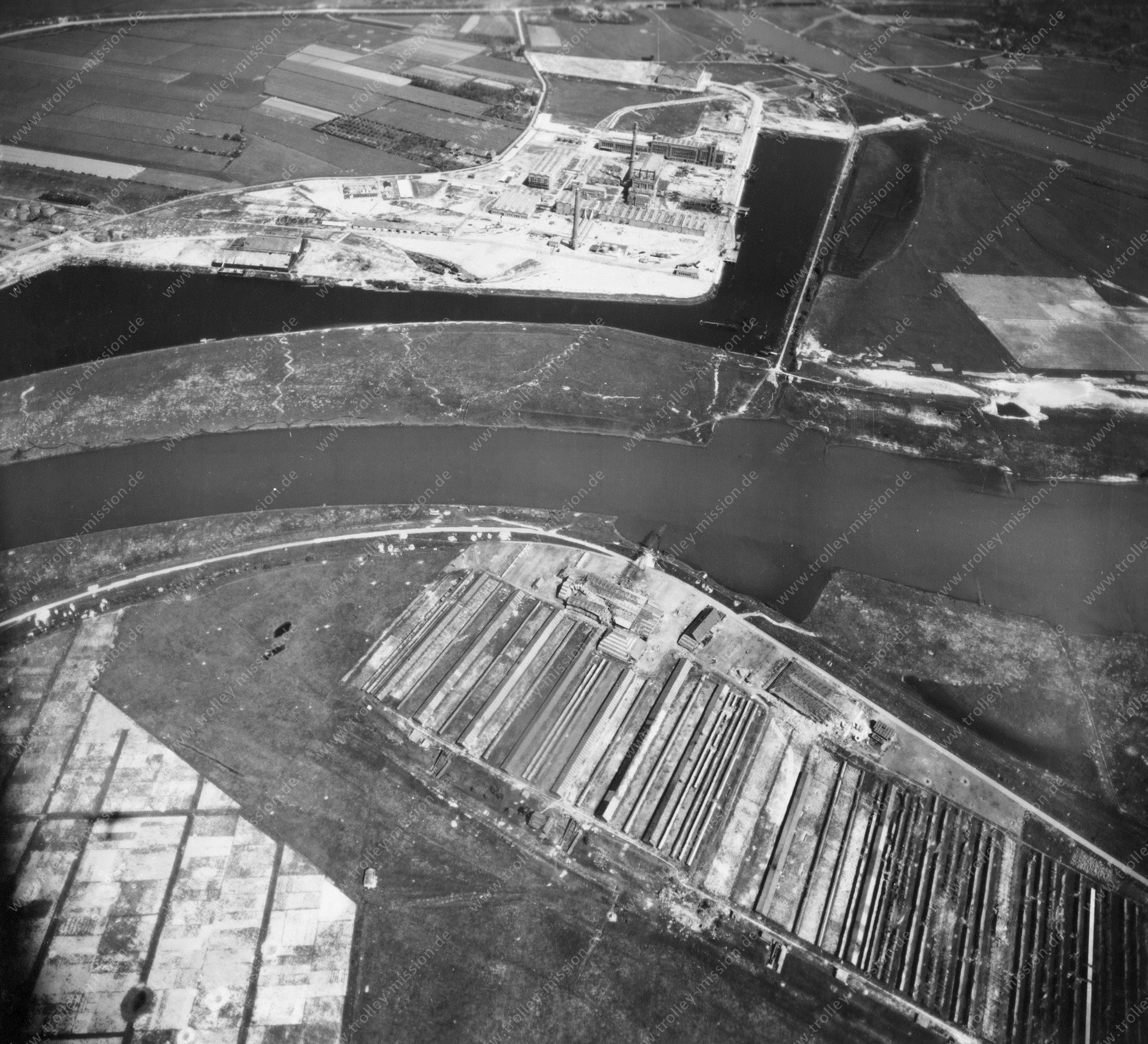 Arnhem Nieuwe Haven (Luchtfoto 1/5) - Kleefse Waard - Foto uit de Tweede Wereldoorlog