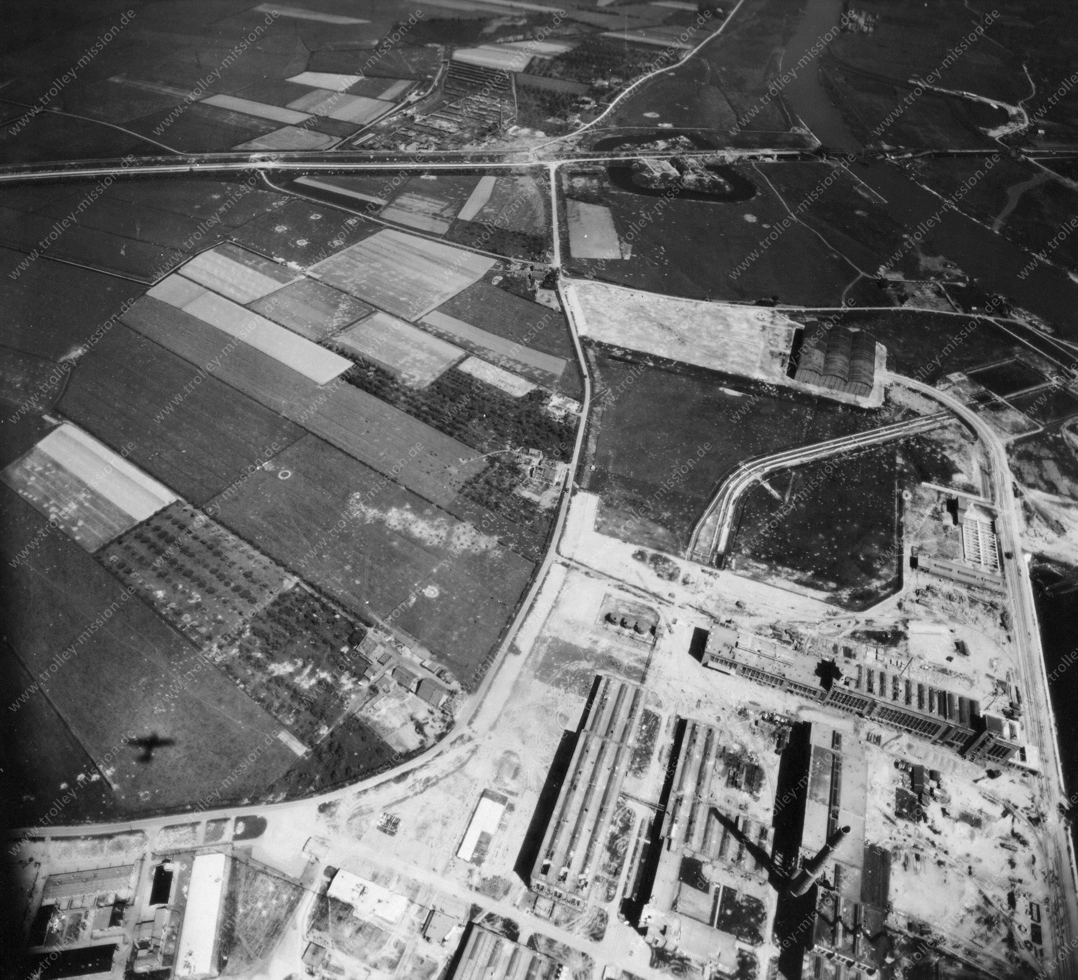 Arnhem Nieuwe Haven (Luchtfoto 4/5) - Kleefse Waard - Foto uit de Tweede Wereldoorlog