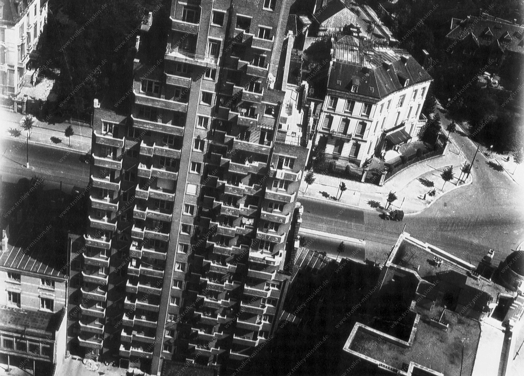 Wolkenkrabber Résidence de la Cambre in Brussel - Foto uit de Tweede Wereldoorlog 1945