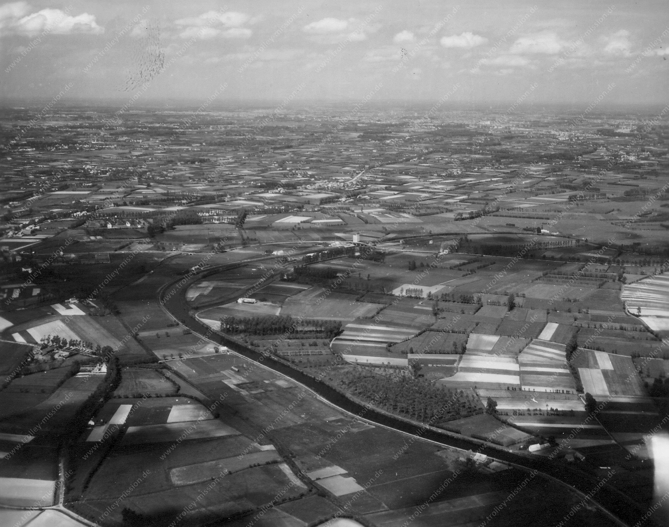 Luchtfoto Schelde in de buurt van Nazareth en Eke