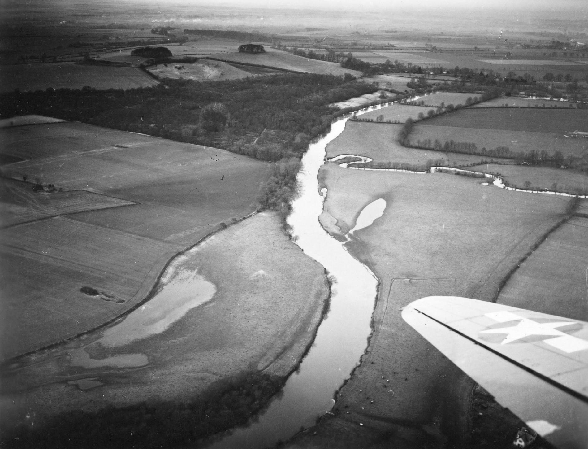Dorchester-on-Thames mit Mündung des Flusses Thame in den Fluß Thames (Großbritannien)
