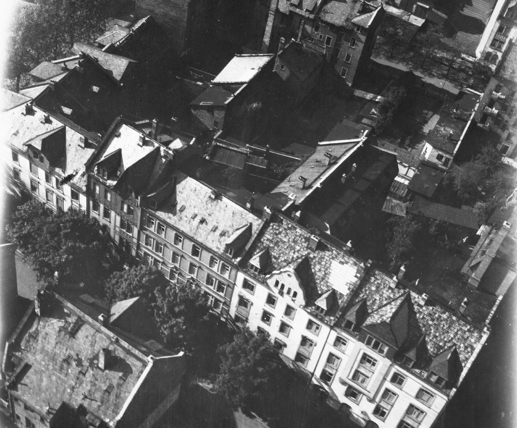 Offenbach am Main - Luftaufnahme der Querstraße aus dem Mai 1945