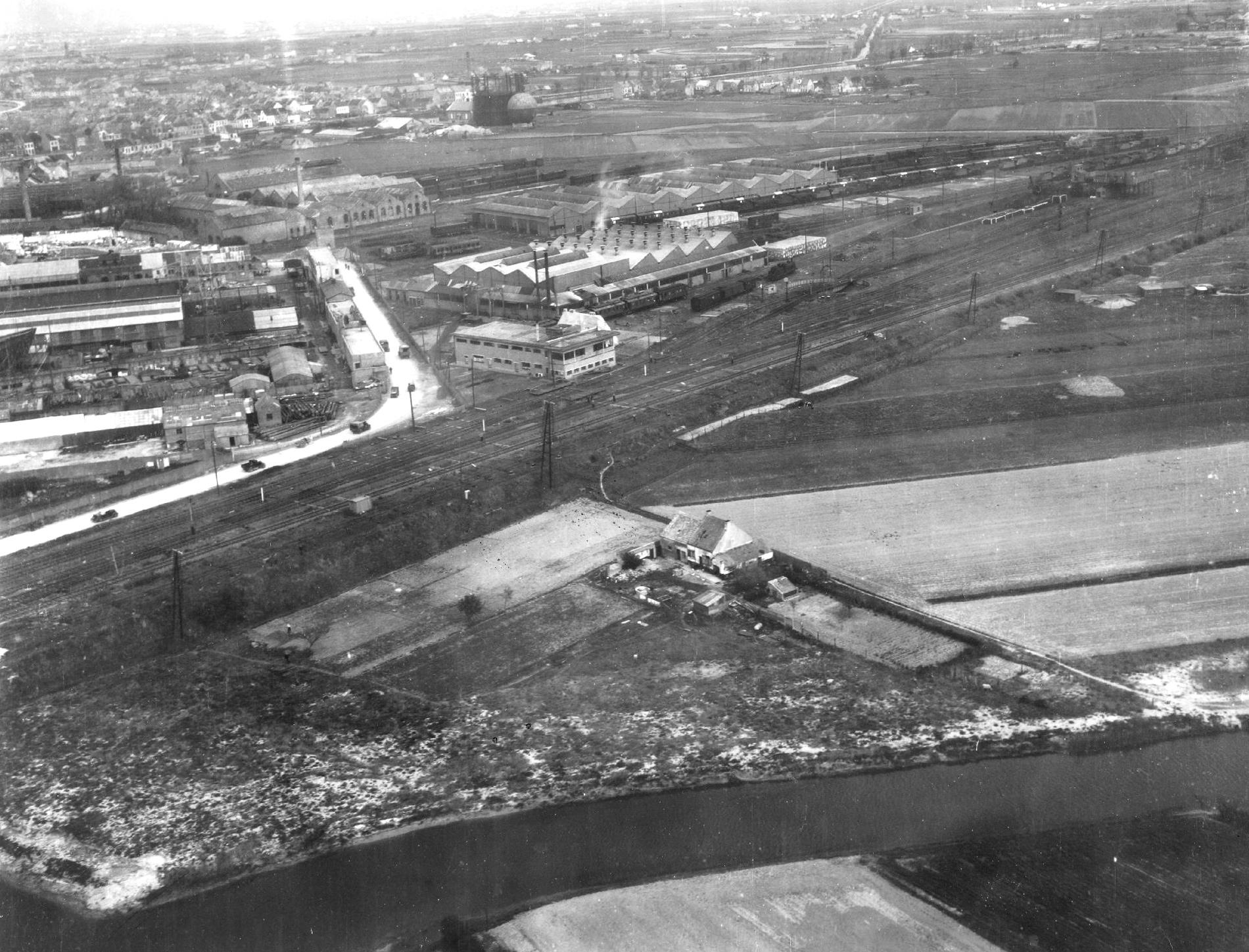 Luchtfoto van het industrieterrein in de Camerlinksstraat in Oostende in België